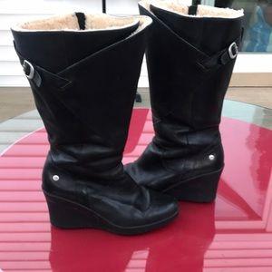 Ugg Australia black leather sheepskin lining boot